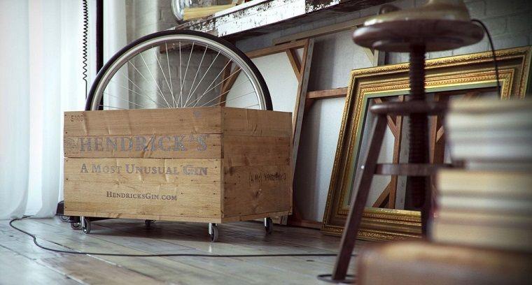 caja con ruedas al estilo industrial