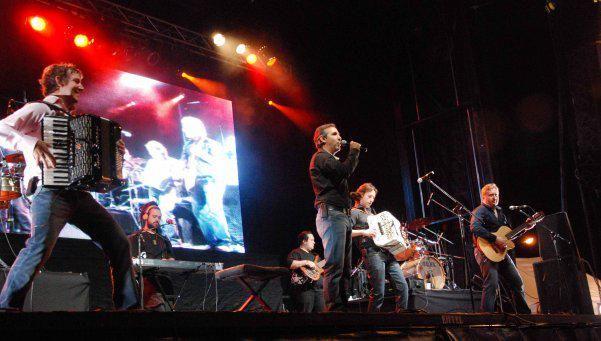 #Festivales a pleno en febrero y cierre de los Barriales con @losalonsitos_ ! #LosAlonsitos > http://bit.ly/festivalesfeb