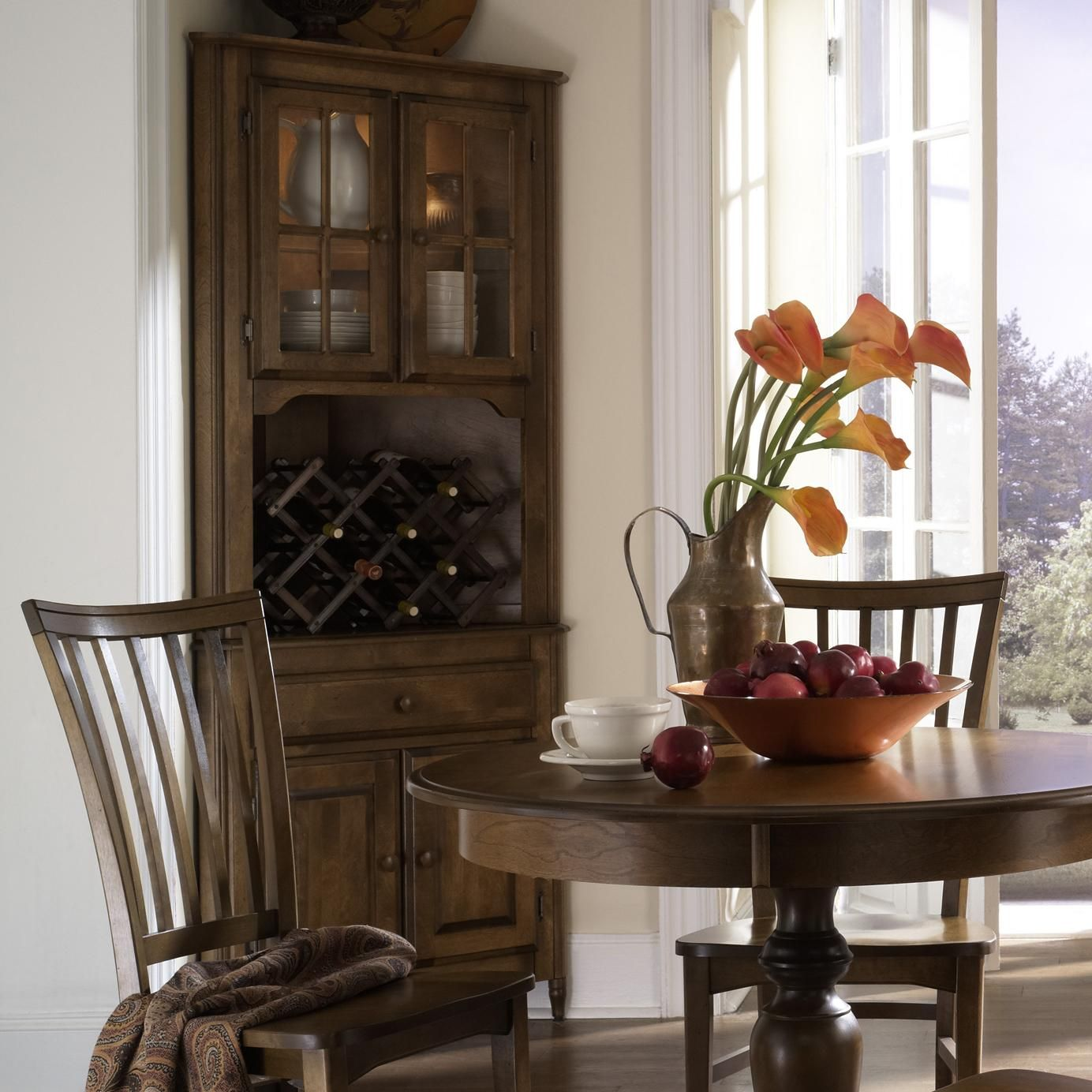 A La Carte  European Classic Customizable Corner China Cabinet Simple Corner Hutch Dining Room Furniture Design Ideas