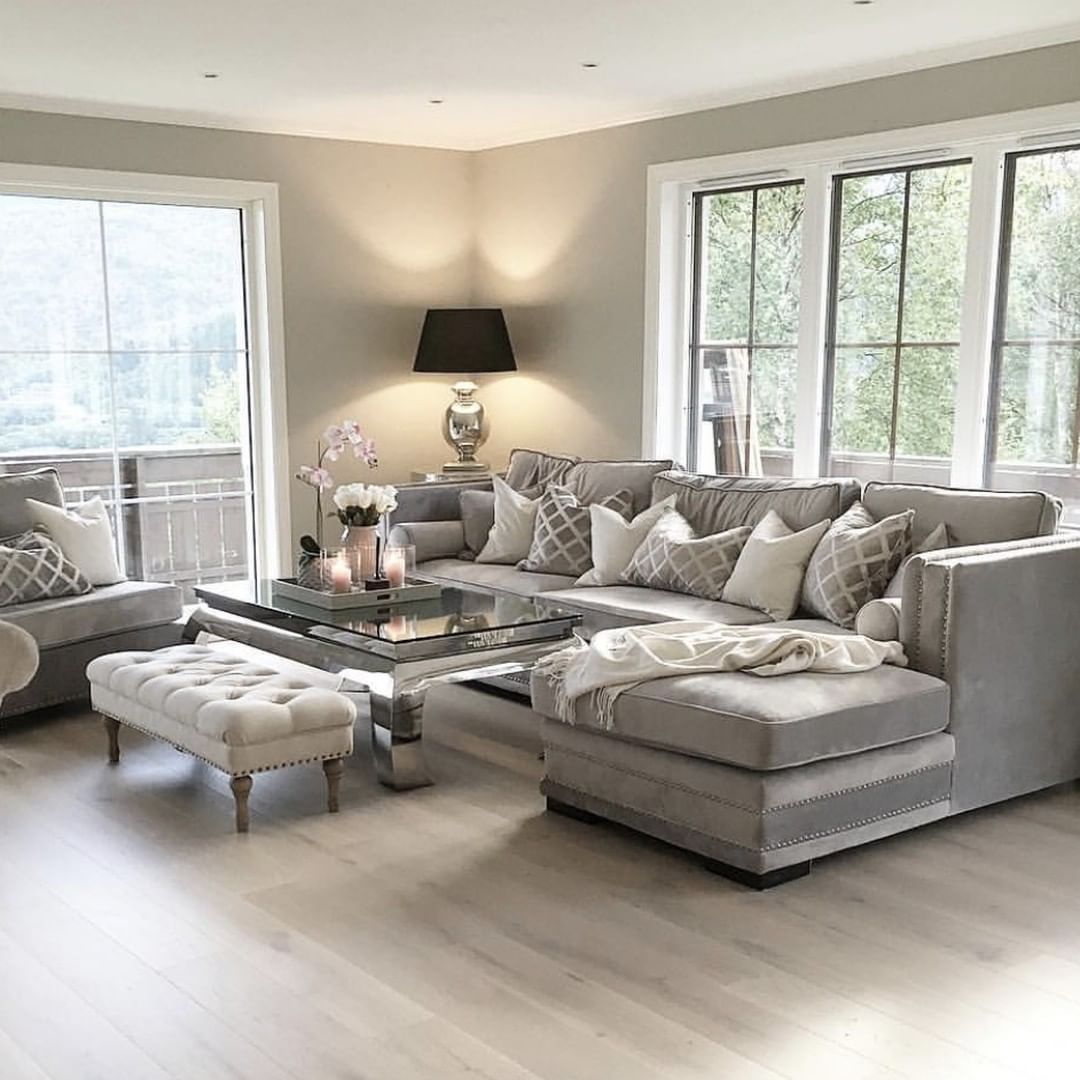 Family Rooms We Love: We Love This Sofa Style And Gorgeous Living Room, 📷 By