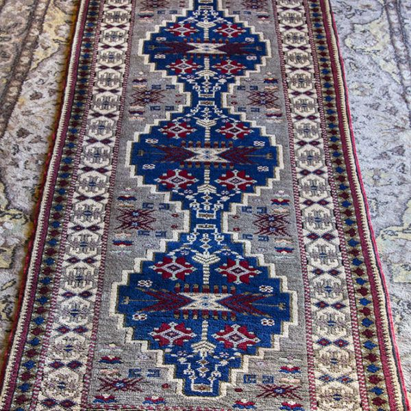 What Makes Turkish Rugs Great How You Can Read The Design Of A Turkish Rug: Turkish Hand Woven, Kilim / Rug Runner Floor & Rugs, Hand