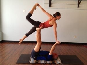 awesome 2 person yoga poses  two person yoga poses