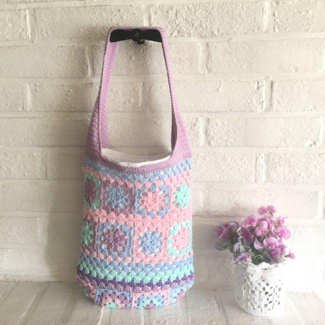 Free pattern in Swedish & English @ Crochet Millan - Granny flower square