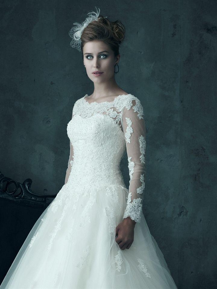 Minellie - Lucca Bride