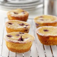 Mini Blueberry and Maple Syrup Cheesecakes