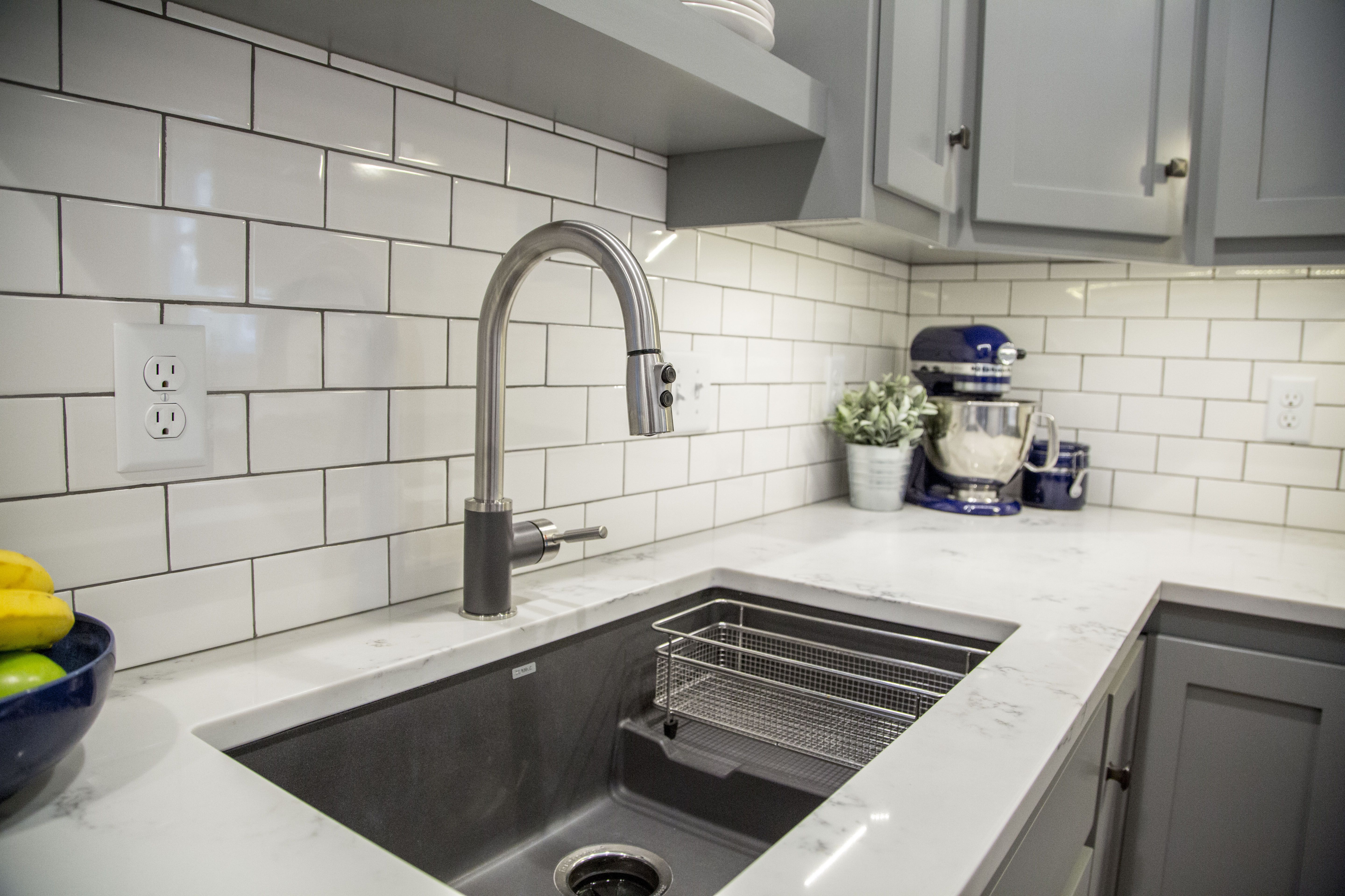Mobili Shaker ~ Brite white subway tile classic french gray shaker cabinets