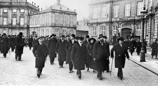 Påskekrisen 1920, dansk politisk krise, der opstod i slutningen af marts 1920. Krisen udløstes af uenighed om det sønderjyske grænsespørgsmål mellem den socialdemokratisk støttede radikale regering på den ene side og den borgerlige opposition i Folketinget og kongen, Christian 10., på den anden.