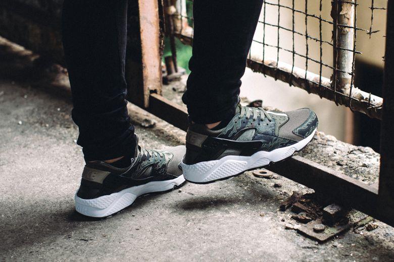 Nike Huarache D'air Taquets De Camouflage Gris l'offre de réduction 100% original à vendre Footlocker meilleur achat qS9xTK5