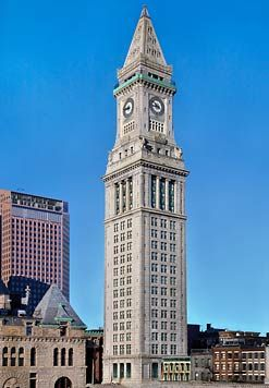 Boston With Kids A Stay At Marriott S Custom House Pitstops For Kids Boston With Kids Boston Hotels Visiting Boston