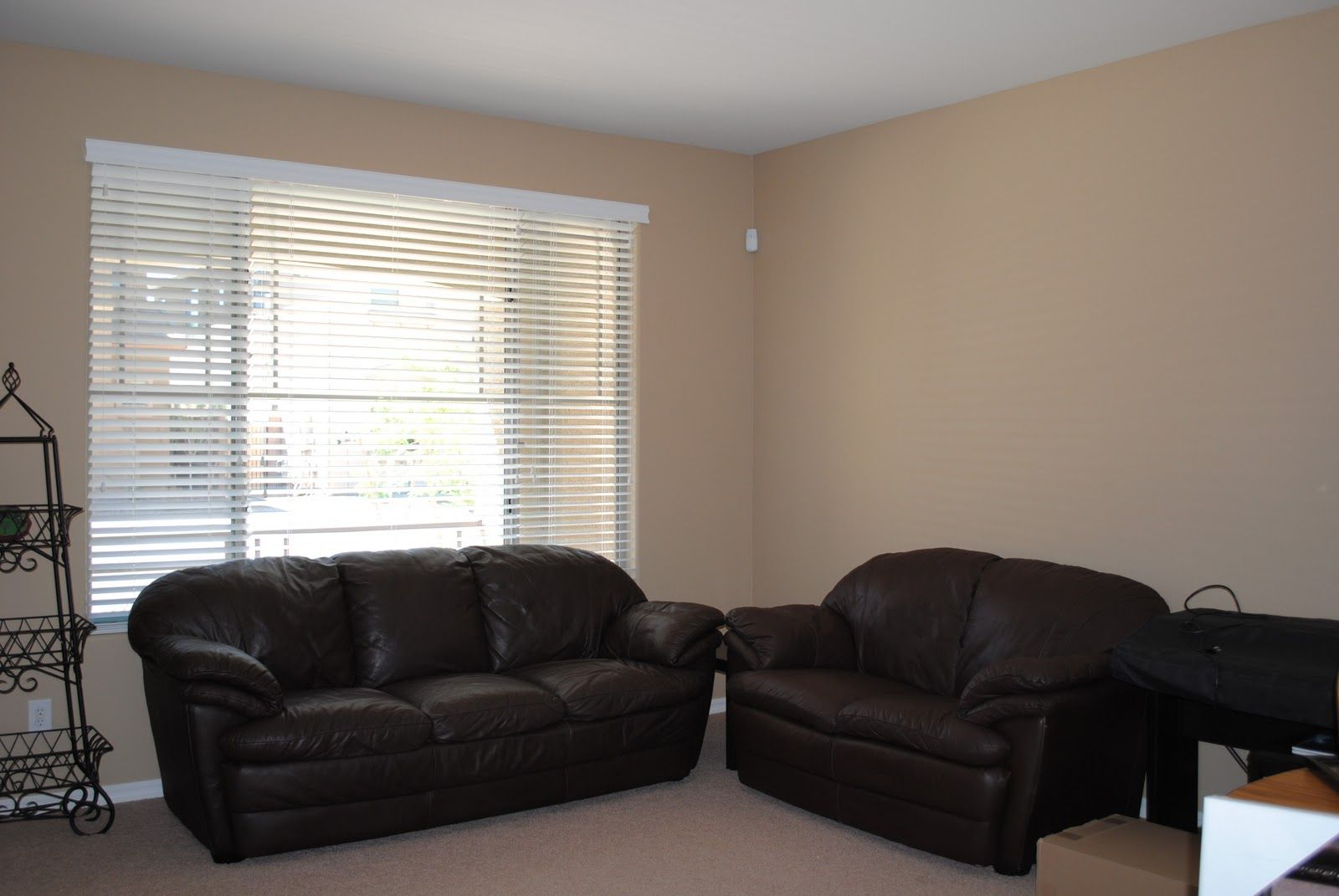 Wall color for dark furniture can you say neutral What color furniture goes with beige walls