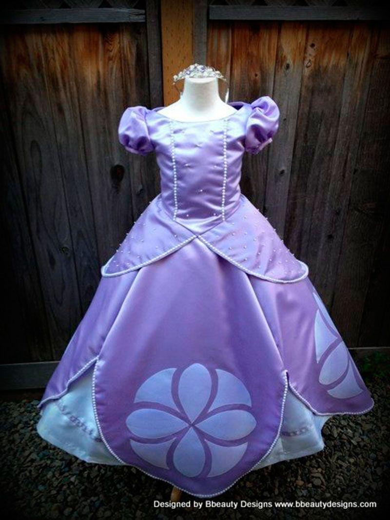 Handmade Sophia wow someone did a great job | Sewing ideas ...