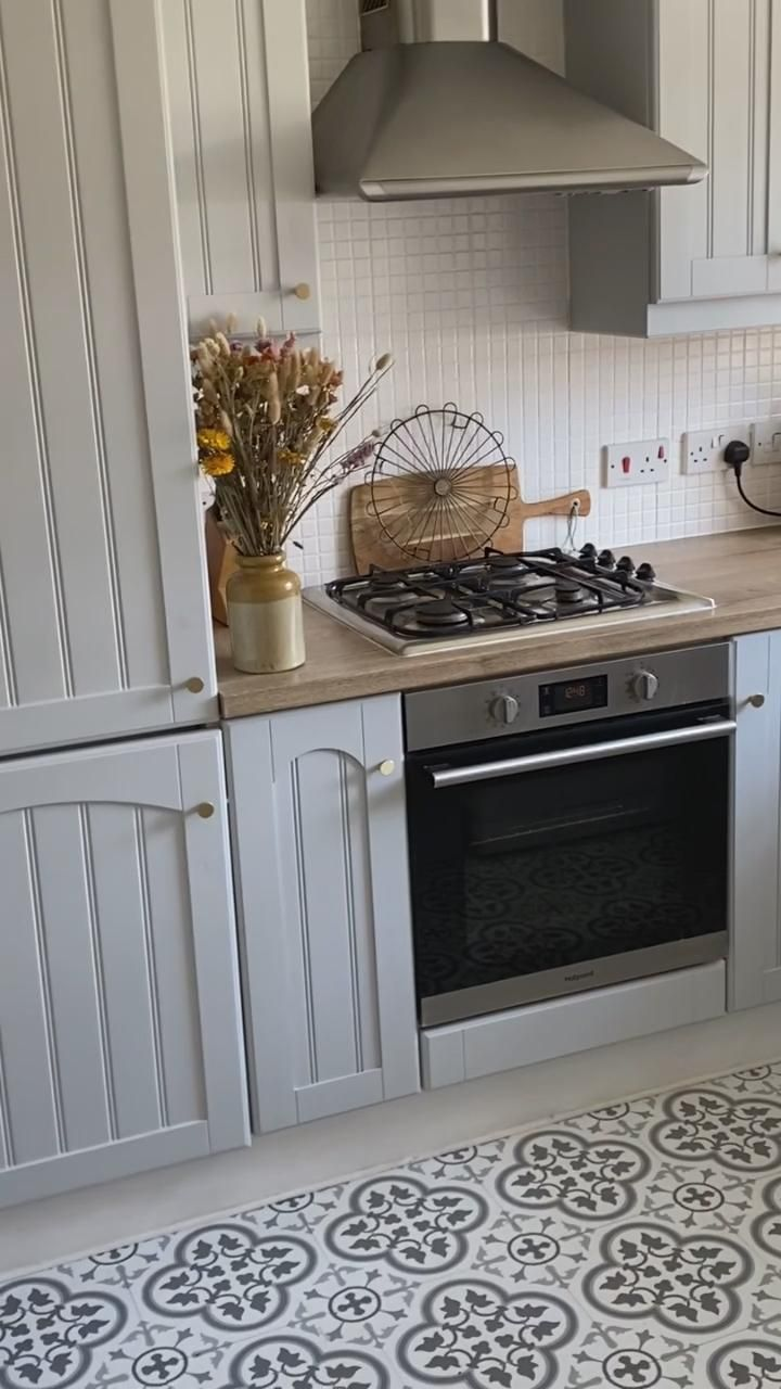 How I painted my kitchen cupboards on a budget
