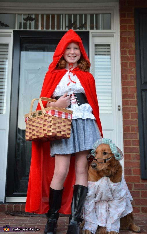 Little Red Riding Hood And Grandmother Halloween Costume Contest