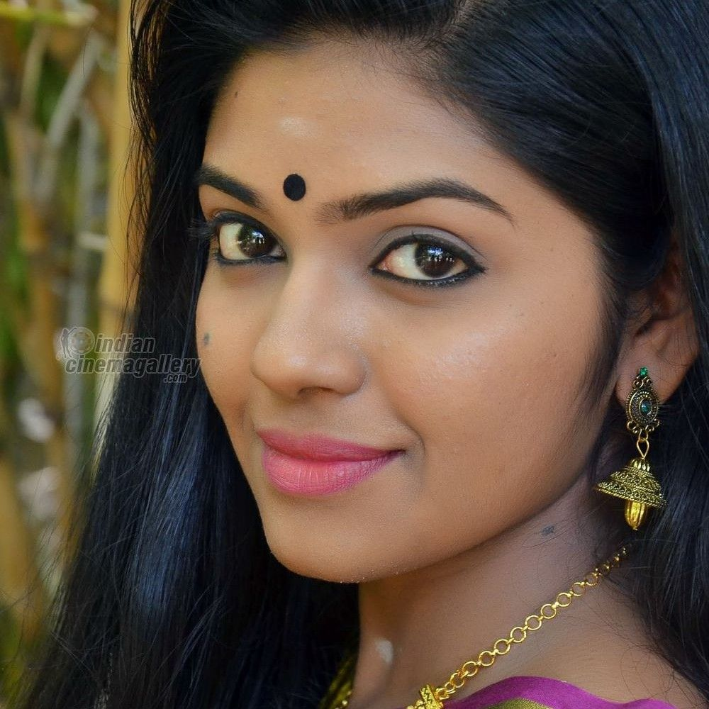 Pin by aarokiaraja Aar on Actress lips (With images