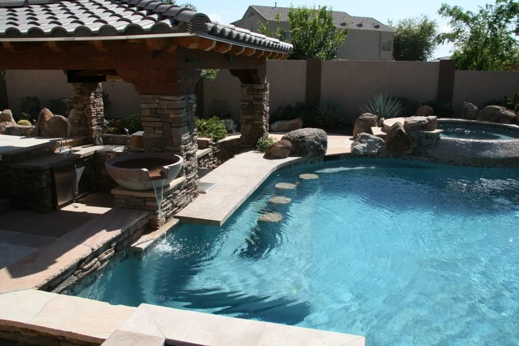 Swimming Pool Ideas I Love The Swim Up Bar And That It S