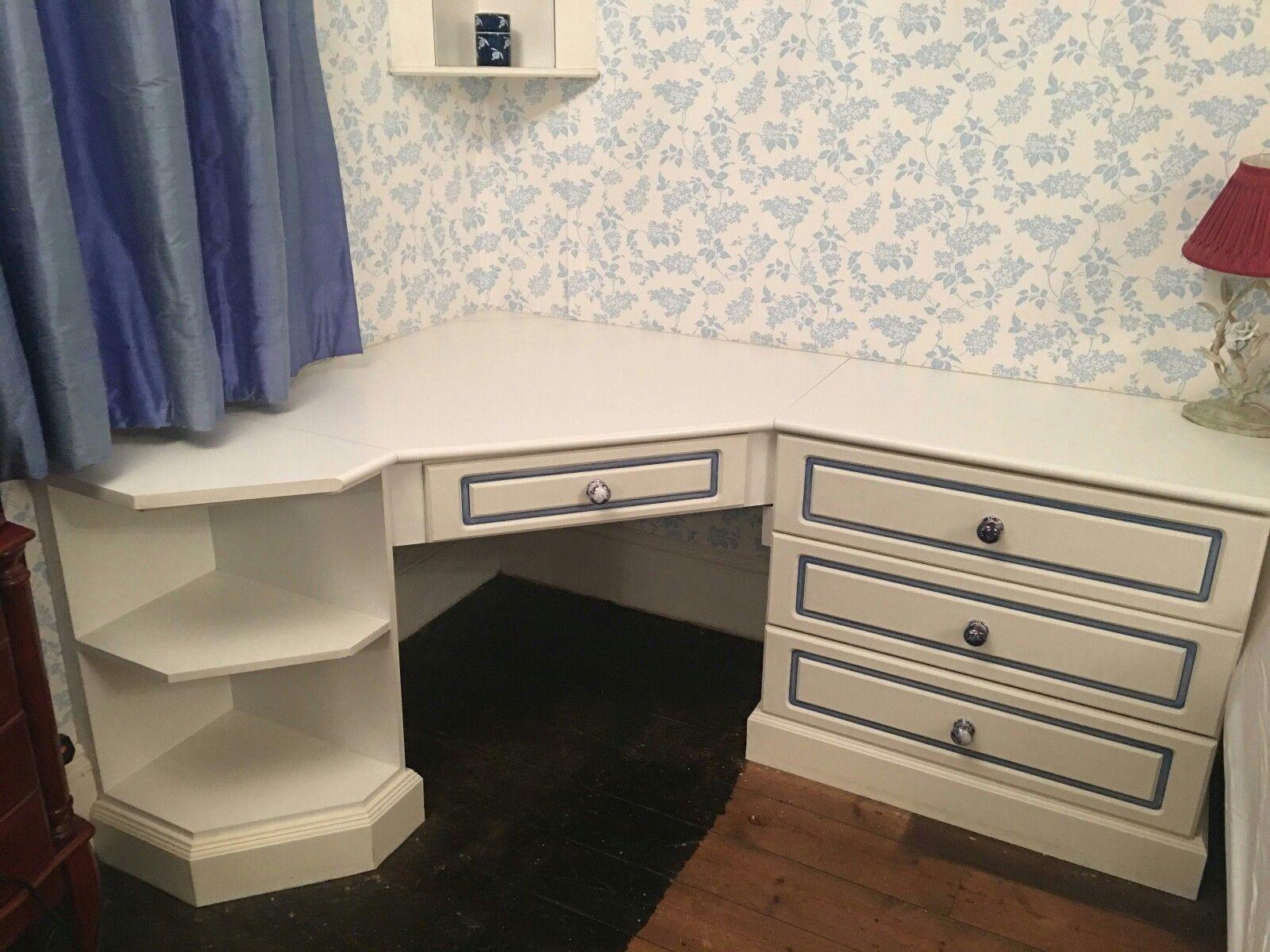 Pin by Deanna Herman on Bathroom | Corner vanity, Corner ...