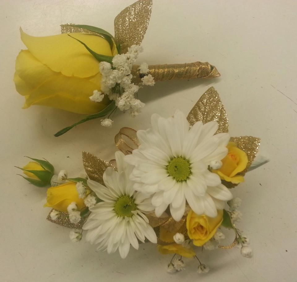 Flower For 50th Wedding Anniversary: 50th Wedding Anniversary Corsage And Boutonniere.