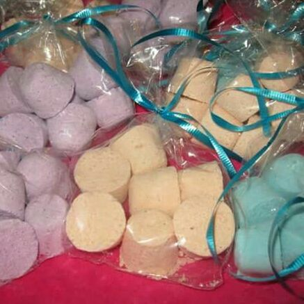Small Kids Bath Bombs, 7 small bombs in each bag, 10 bag in a pack. Great scents like cotton candy,  candy crush, bedtime, grape soda, monkey farts, and many more. Mixed scents in a pack, get at least 3 scents, ask away about scents. Can make in a lot of other scents too comment about the scent you're looking for.