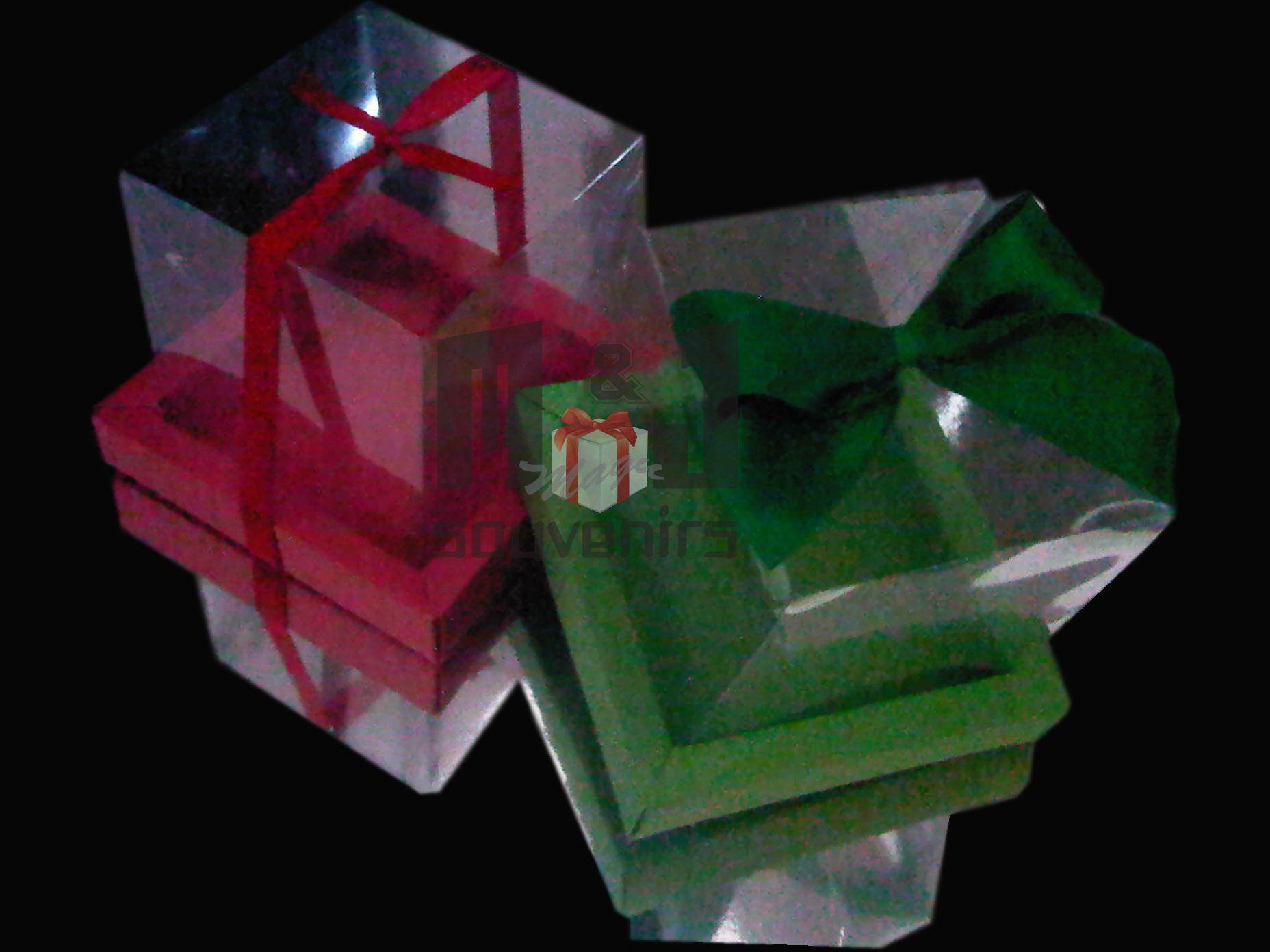 Caja para 1 cupcake Modelo BCTA Materiales : Cartulina, acetato, cinta Aplique : lazo