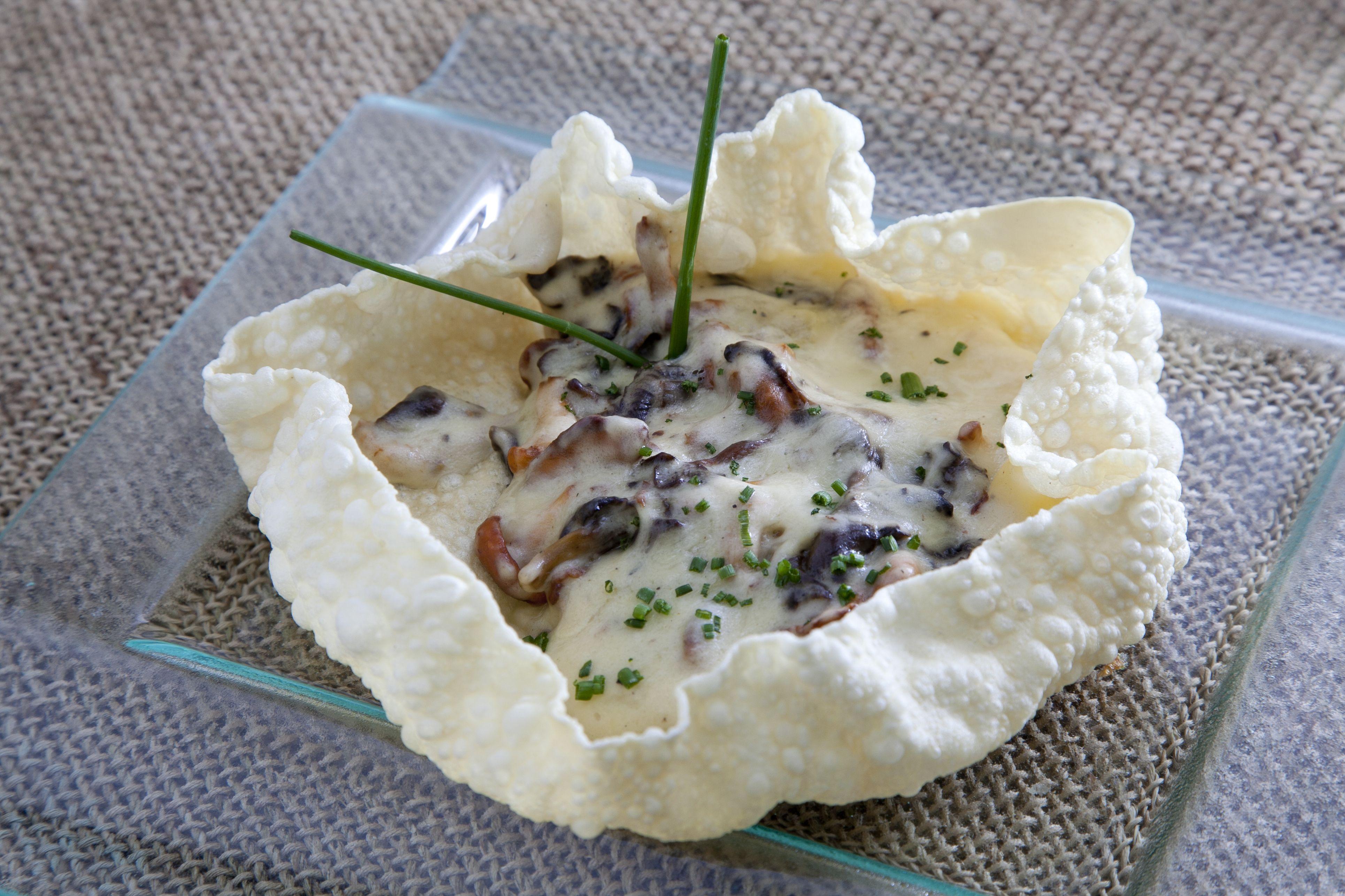 Cestos de setas con queso de tetilla http://www.canalcocina.es/receta/cestos-de-setas-con-queso-de-tetilla