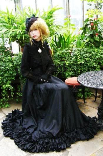 Výsledek obrázku pro elegant gothic aristocrat