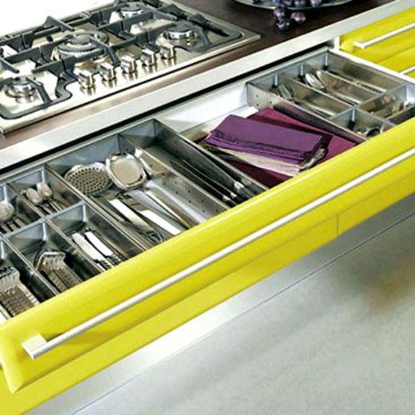 ranger la cuisine astuces et produits malins tiroir astuces et gain de place. Black Bedroom Furniture Sets. Home Design Ideas