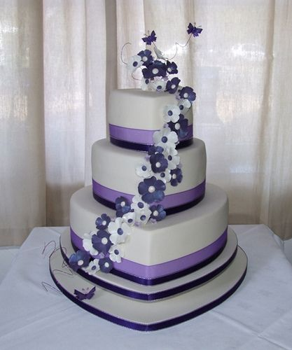 Purple Wedding Cakes Offers Unique Color That Quite Distinct And When Compared With The Common Usually Use White As Its