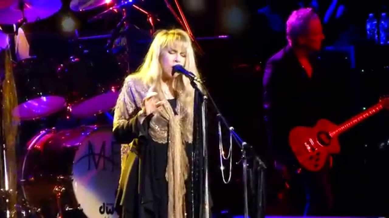 """""""Gold Dust Woman"""" Fleetwood MacWells Fargo Center"""
