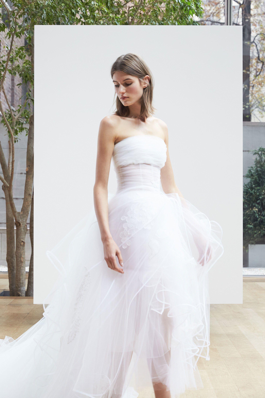 Oscar de la Renta Bridal Spring 2018 Fashion Show | Hochzeitskleider