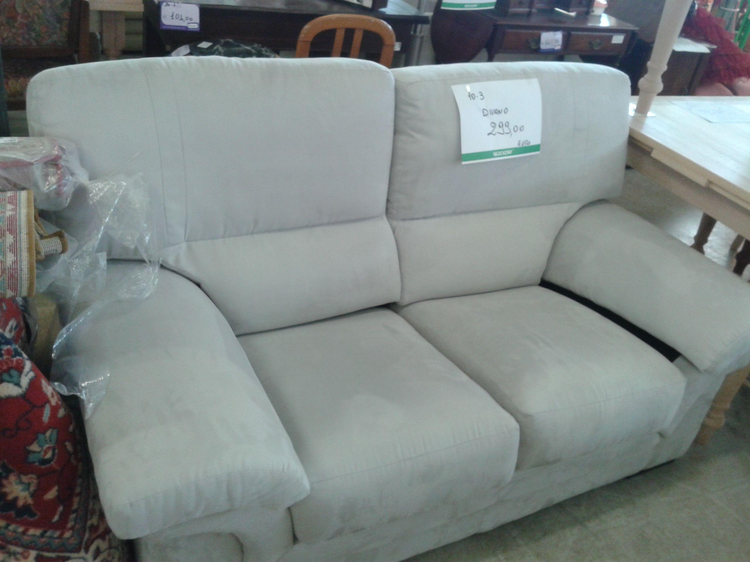 Divano dueposti color ghiaccio in alcantara negozio pinterest sofa couch e home decor - Divano in alcantara ...