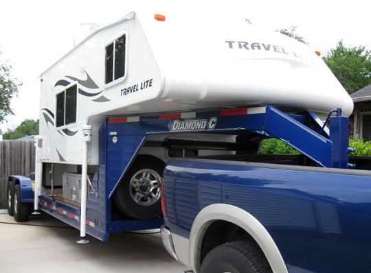 Truck Camper On A Gooseneck Truck Camper Travel Trailer Camping