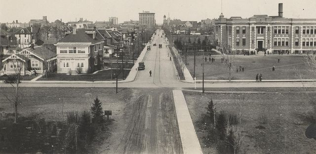 Scarth Street. Looking down the front steps of Regina College, 1924. (Photo: 86-11-22)