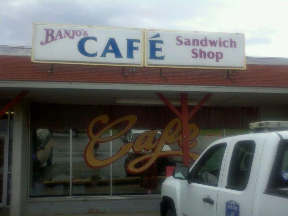 Banjo's Cafe Topeka, KS, United States. Store front