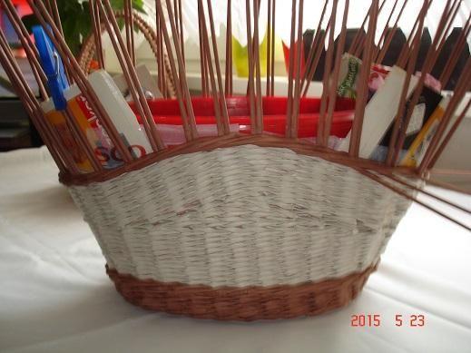 8c8ae4512 Košík na nákup z papletu, fotopostup   pletení 4