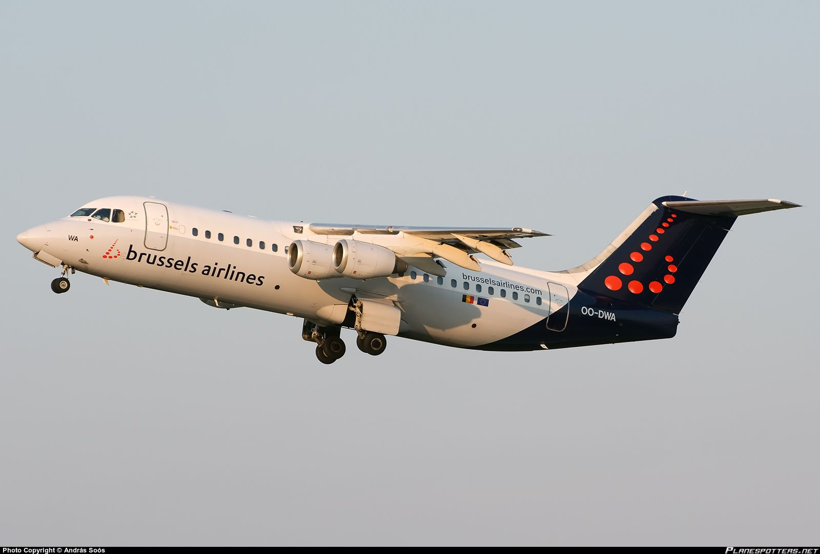 OO-DWA Brussels Airlines British Aerospace Avro RJ100