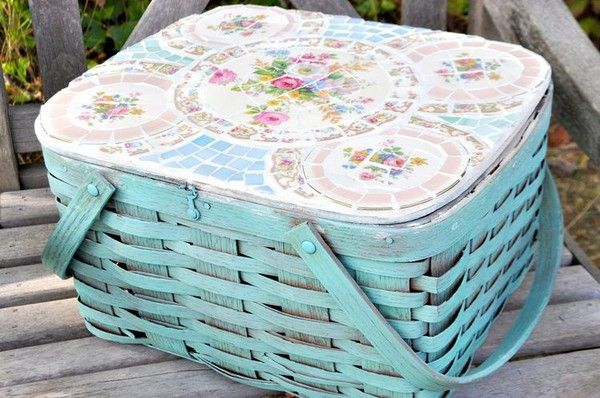 Mosaic top picnic basket.
