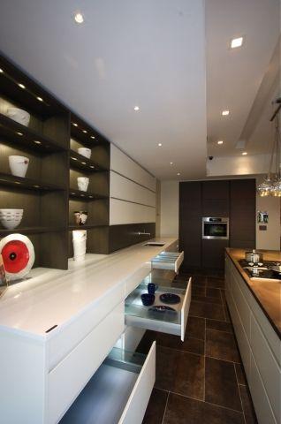 Wondrous Manhattan Kitchen Cabinet Showroom Leicht New York Download Free Architecture Designs Itiscsunscenecom