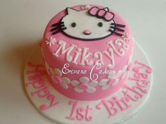 Simple Hello Kitty cake Braylee Makenna Pinterest