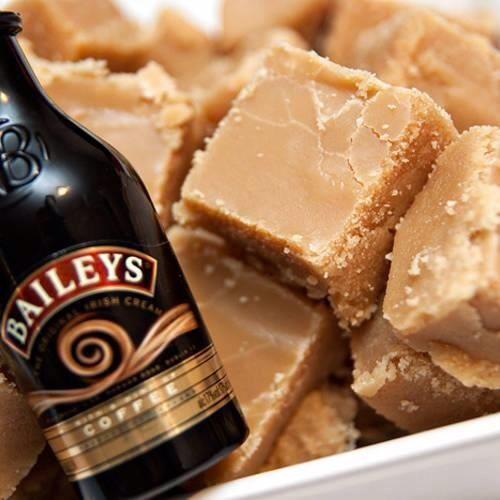 14 Oz Condensed Milk 1 3 Lb Butter 1 1 4 C Icing Sugar 1 1 4 C Brown Sugar 1 1 2 T Vanilla 2 T Baileys Microwave Top Fudge Recipes Homemade Fudge Baileys Fudge