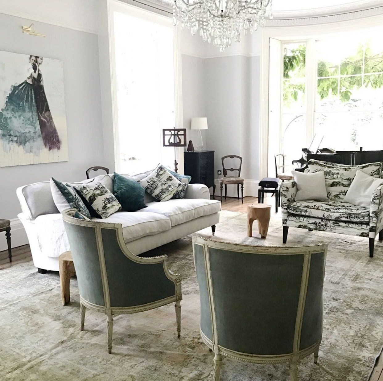 Drawing Room Goals A Soft Neutral Palette Of Greens And Blues Is So Elegant Grounding The Space With A L Sitting Room Decor Sofa Inspiration Furniture Doctor