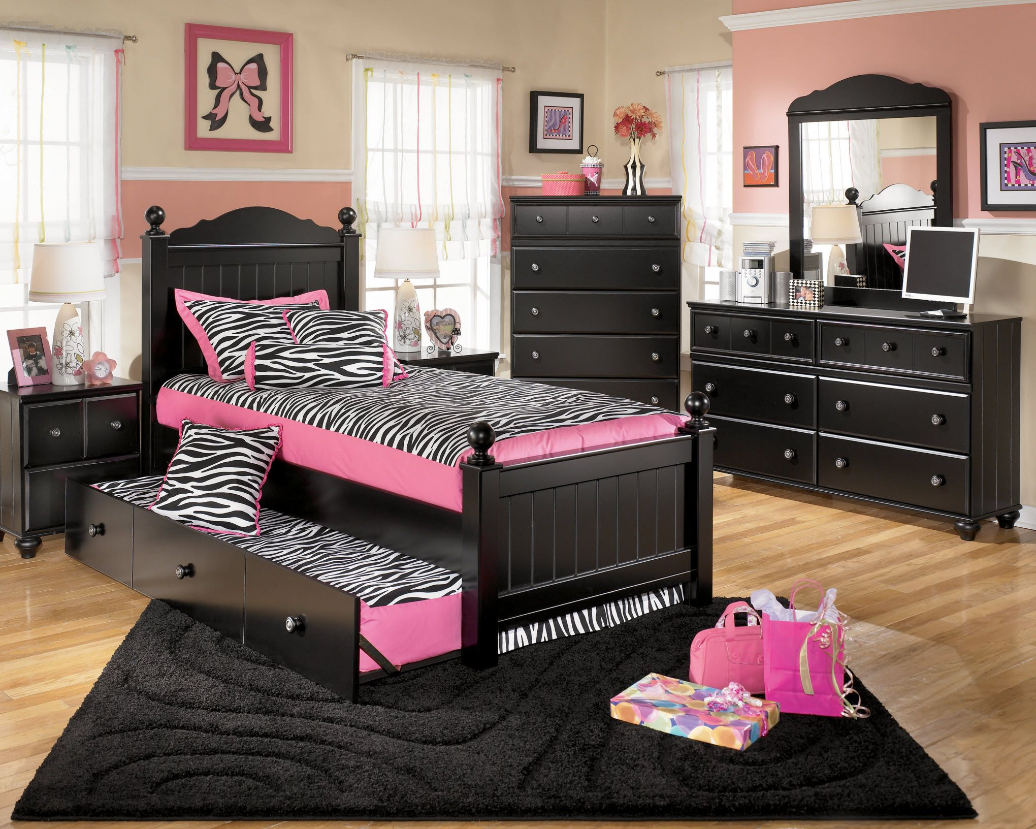 1000 Images About Kid39s Bedrooms On Pinterest Black Bedroom