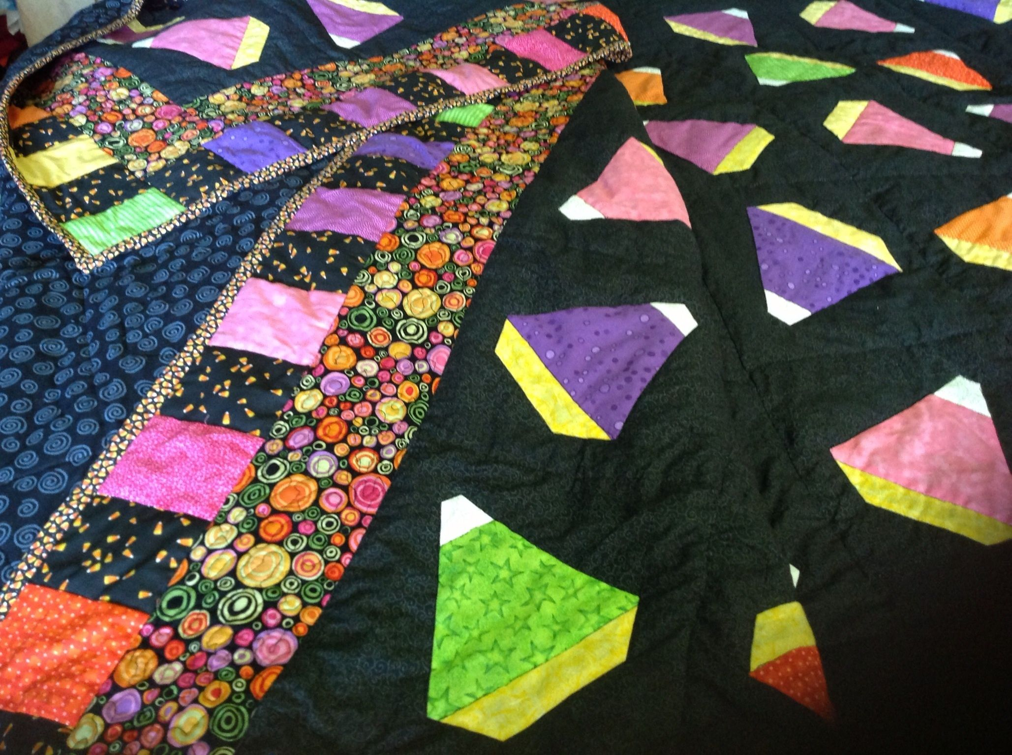 Halloween quilt for 2014. Crazy candy corn. | Quilts | Pinterest : candy corn quilt - Adamdwight.com