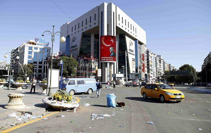 Die Generalstaatsanwaltschaft in Ankara hat die Identität des zweiten Menschen festgestellt, der den Putschplan koordiniert und die Putschisten am 15. Juli angeleitet haben soll. Nach Angaben der Agentur Anadolu handelt es sich dabei um den ehemaligen Generaldirektor des örtlichen Papierbearbeitungsbetriebs, Kemal Batmaz.