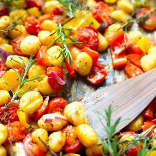 Photo of A tin gnocchi with tomatoes, peppers and red onions – a carousel