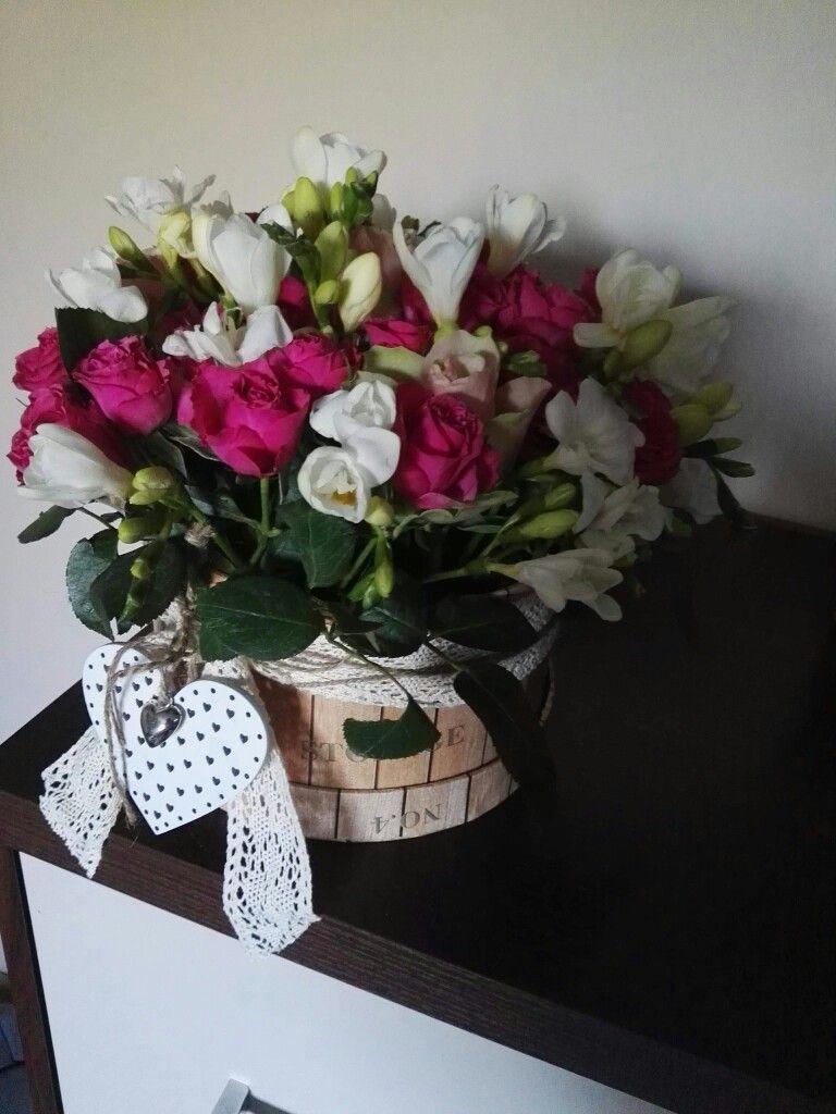 Home Made Flower Box Kwiaty W Pudelku Pomysl Na Bukiet Nowosc Homemade Flowerbox Kwiatywpudelku Pomysl Na Bukiet Nowosc Decor Grapevine Wreath Diy