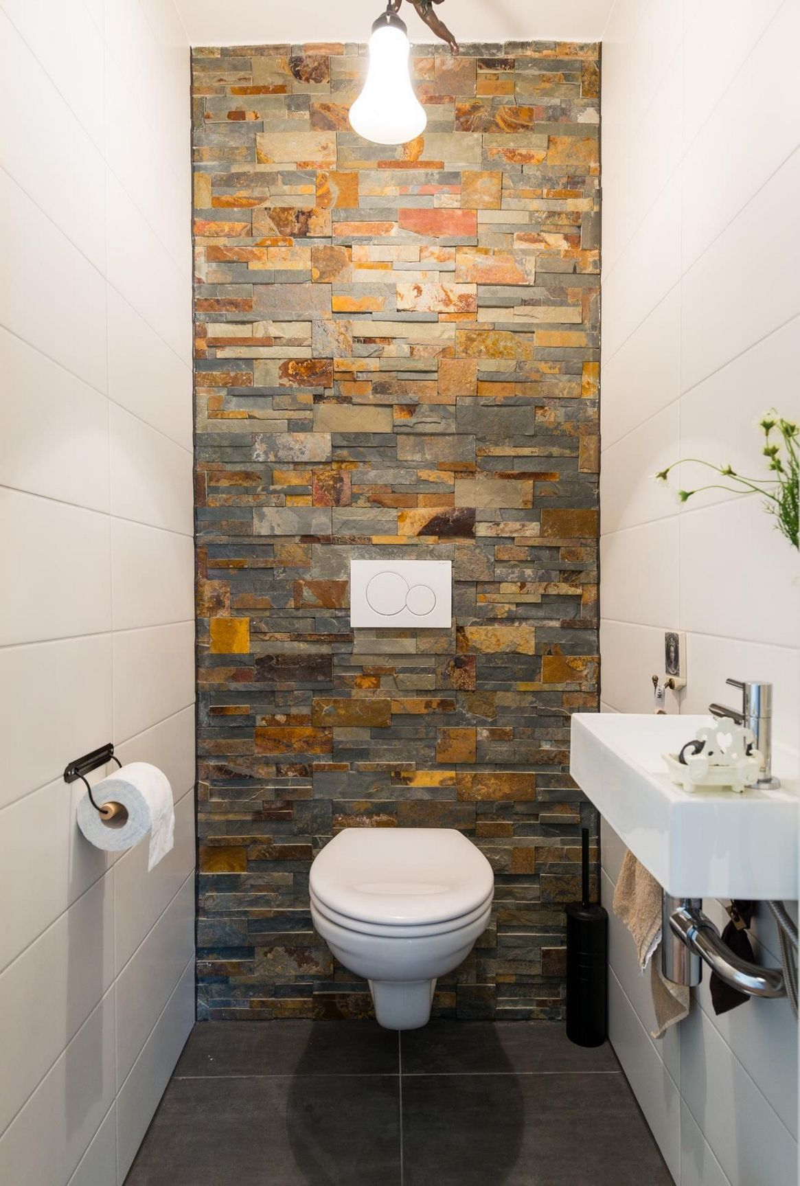 40 Dreamy Wc Toilet Ideas In The Bathroom With Full Inspirations Small Toilet Room Bathroom Design Small Toilet Tiles