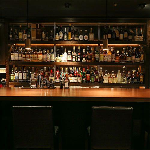 7月30日にオープンしたばかりのバーです。 バー・クール