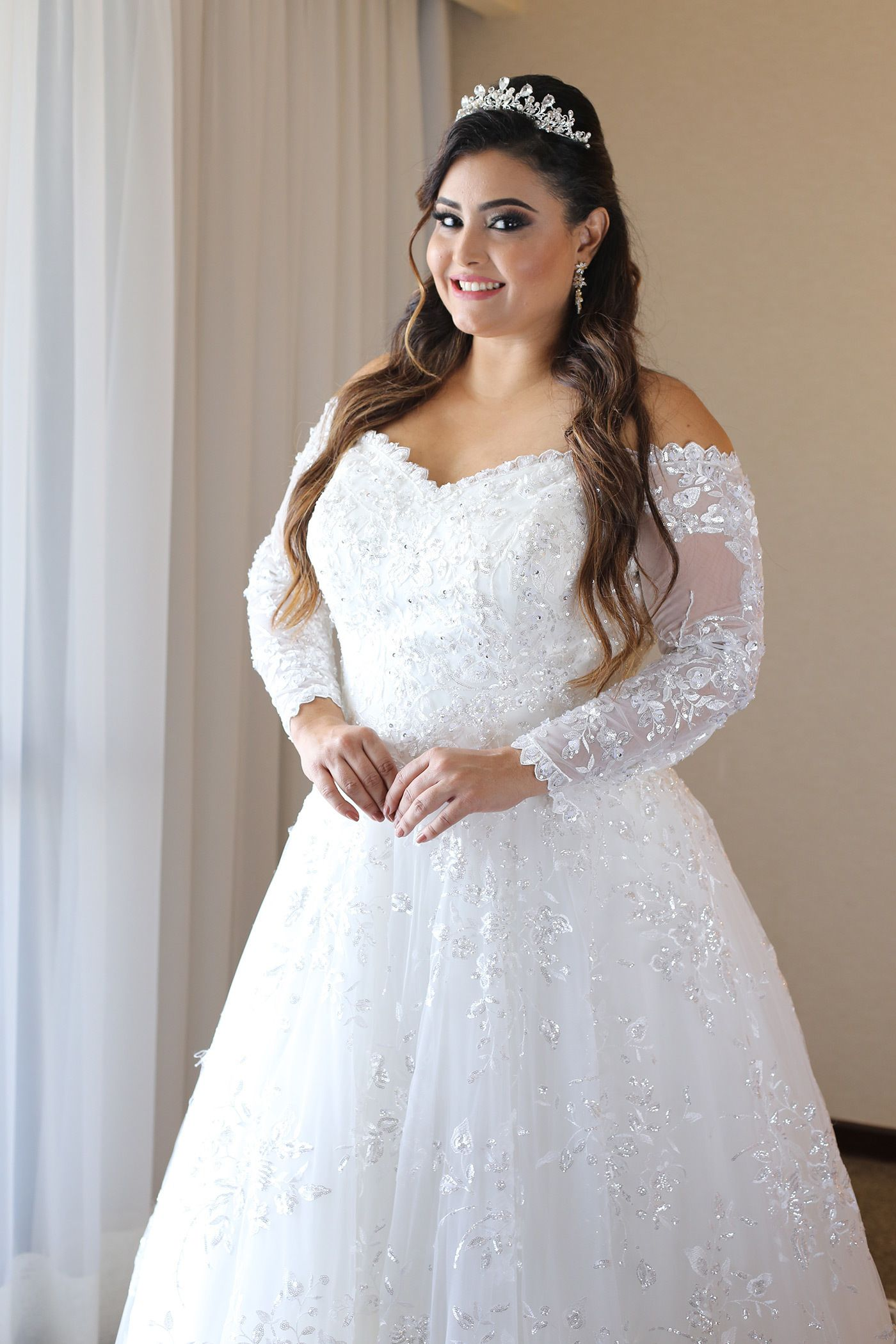 Vera wang plus size wedding dresses  Pin by Angelika Stottan on Brautkleider für mollige  Pinterest