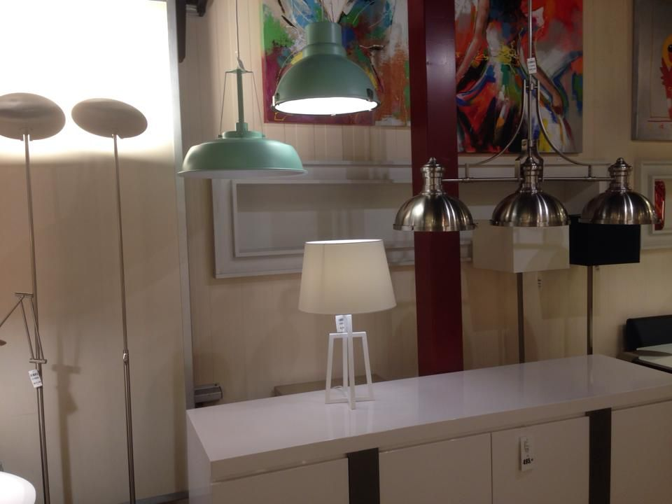showroom interieur verlichting hanglamp industrieel retro groen