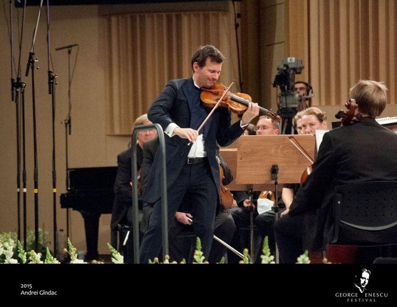 Deși fusese o zi lungă şi solicitantă iar oboseala îşi cam spunea cuvântul, am mers la o seară de Festival George Enescu -cât mi-aş fi dorit să pot ajunge mai des să mă las cuprinsă de starea de acolo!